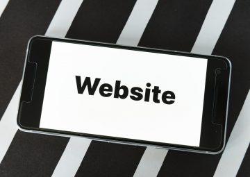 ホームページは無料で十分?無料ホームページ作成サイトのメリット・デメリット